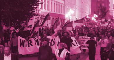 """Prozesstagebuch """"Revolution Chemnitz"""" – Über die juristische Aufarbeitung rechter Gewalt im Spätsommer 2018 in Chemnitz"""